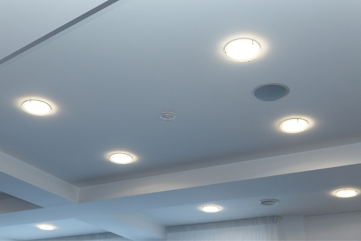 plaster ceiling design with downlight