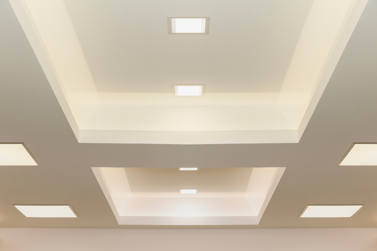 plaster ceiling with square downlight